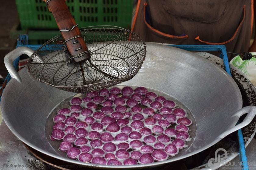 29-Fritters-Sri-Din-Daeng-market-